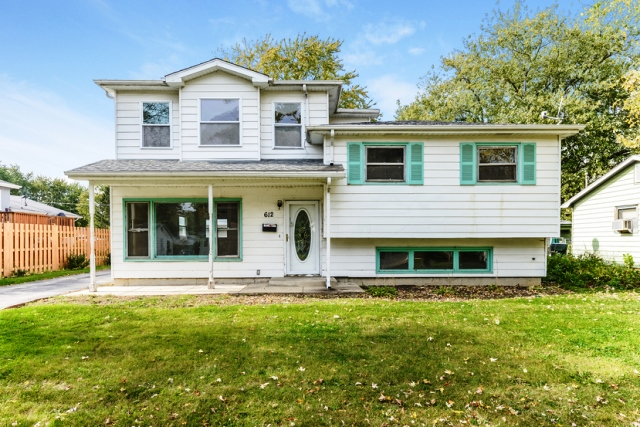 Photo of 612 N Greenview Ave  Mundelein  IL