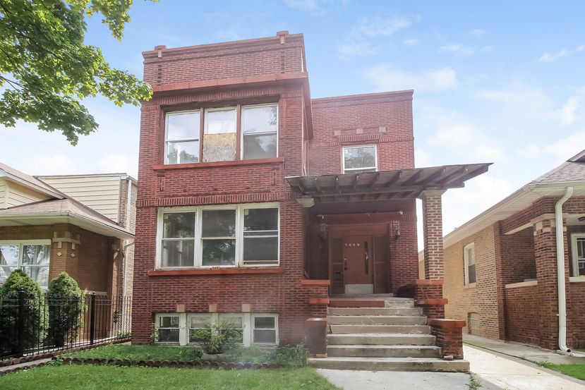 Photo of 5009 W Wellington Ave  Chicago  IL