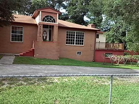 One of Apopka 5 Bedroom Homes for Sale