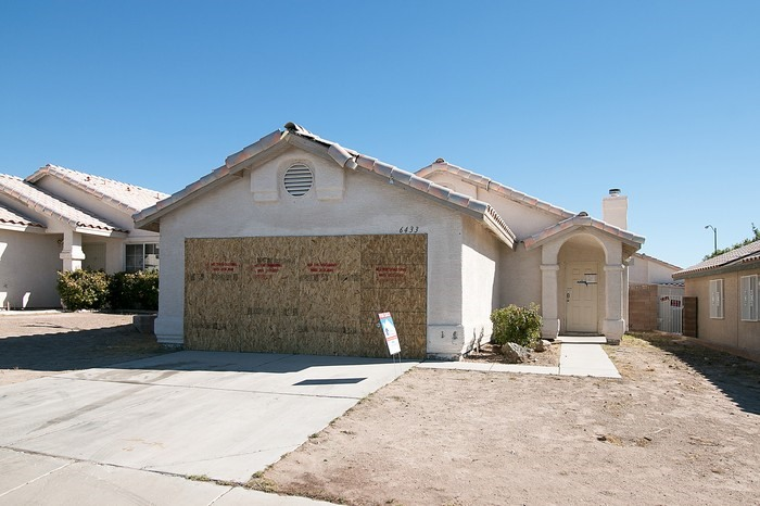 6433 Gold Canyon Dr, Las Vegas, NV 89156