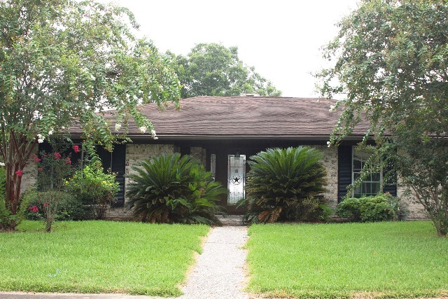 Photo of 671 Marilyn Ln  Port Neches  TX