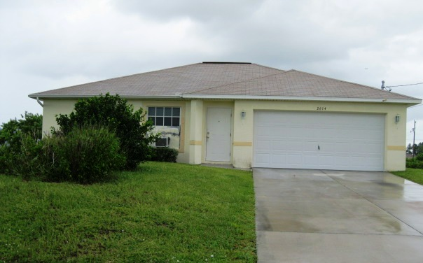 2614 42nd St Sw, Lehigh Acres, FL 33976