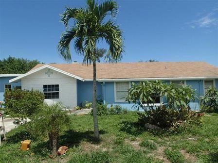 8330 Se Lundy St, Hobe Sound, FL 33455