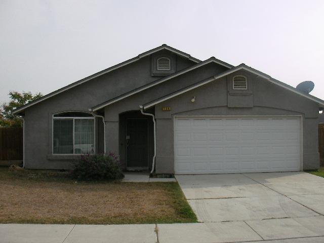 120 Colorado Ave, Tulare, CA 93274