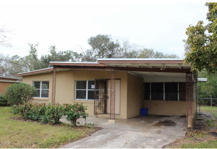 154 Country Club Cir, Sanford, FL 32771