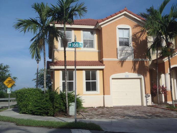 8568 SW 166th Pl, Miami, FL 33193