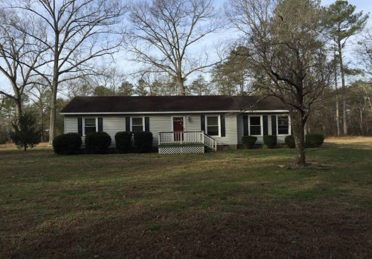 Photo of 1014 Deerchase Rd  Saluda  VA