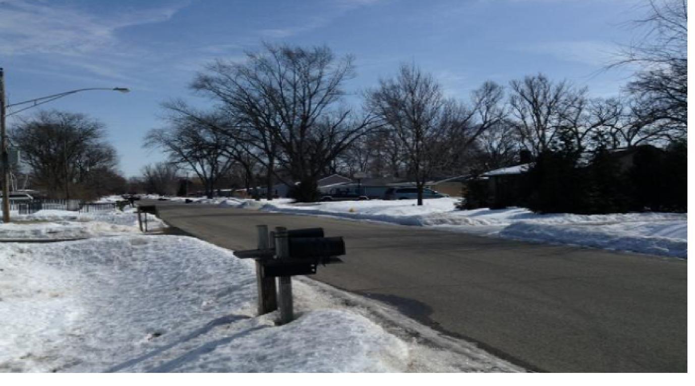 16 Marquette Rd, Machesney Park, IL 61115