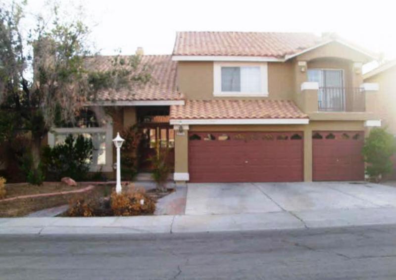 8225 Swan Lake Ave, Las Vegas, NV 89128