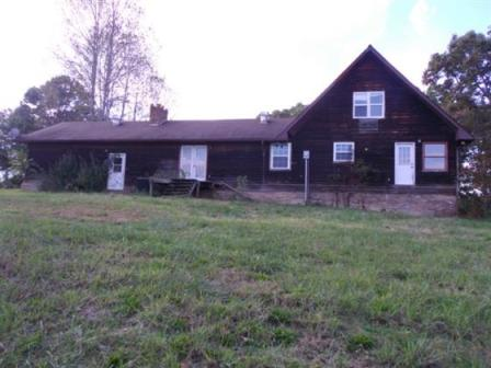 1279 Old Stage Rd, Spring City, TN 37381
