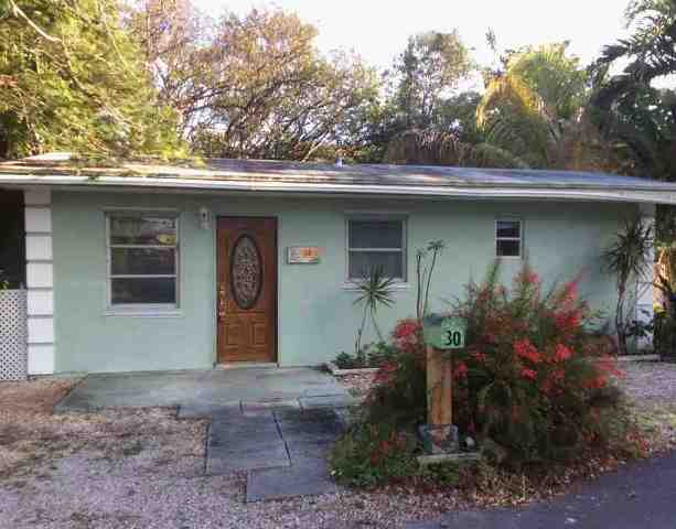 30 Barracoa Dr, Key Largo, FL 33037