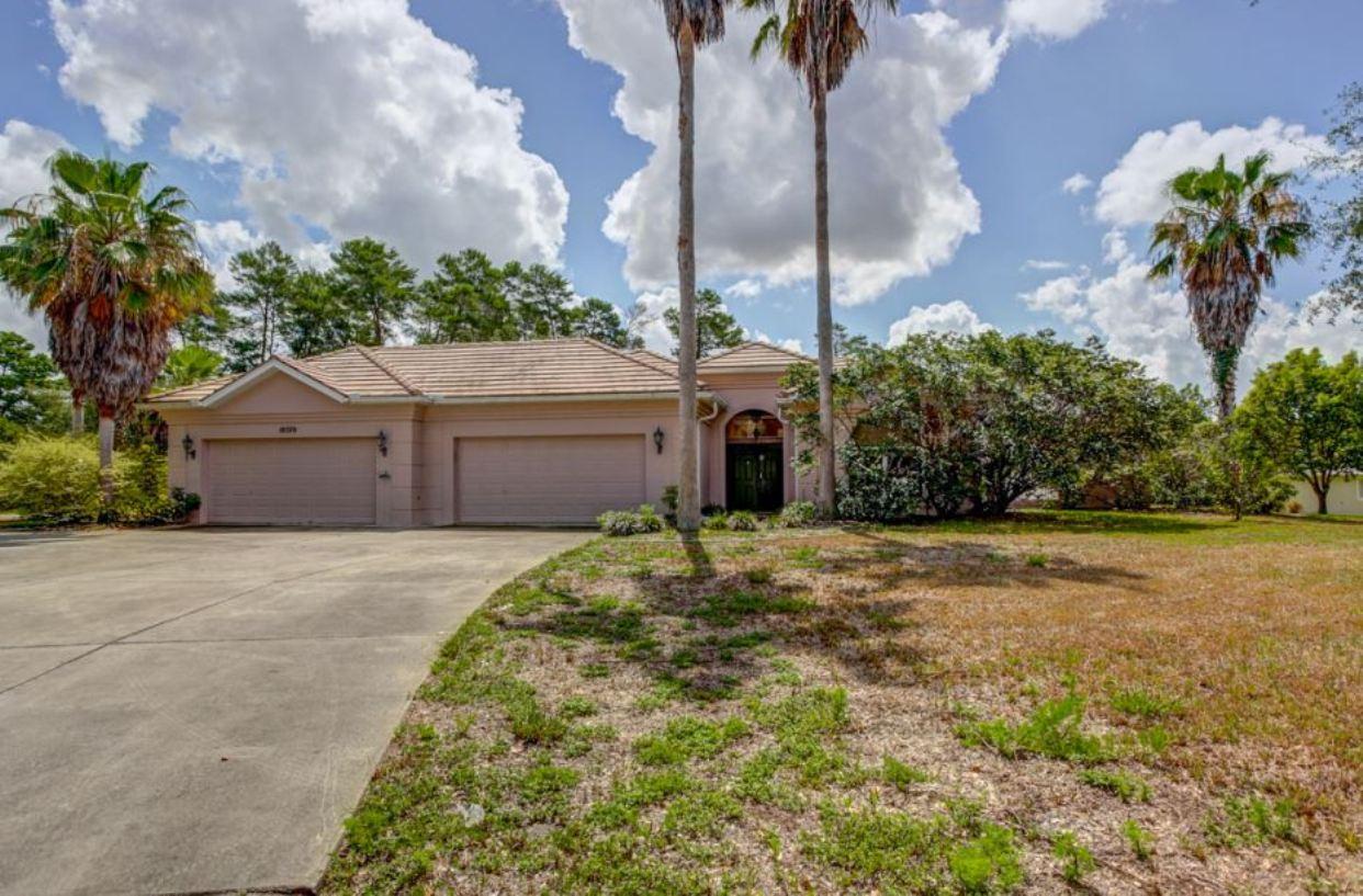 10370 Woodland Waters Blvd, Weeki Wachee, FL 34613
