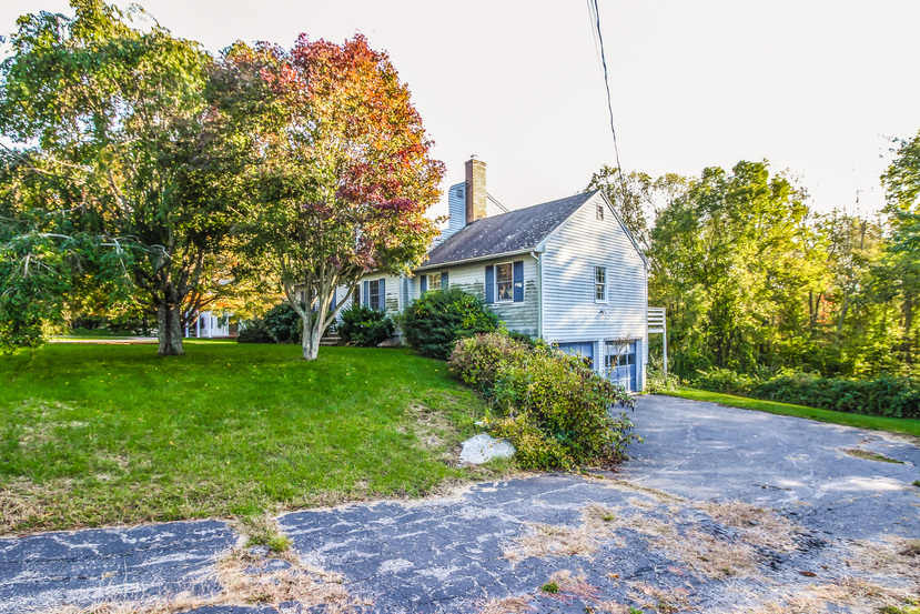 Photo of 89 Castle Hill Rd  Pawcatuck  CT