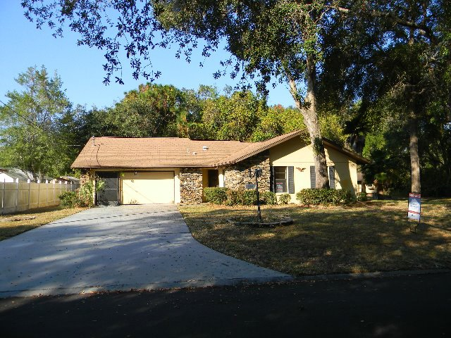 Photo of 915 Stetson Terrace  Inverness  FL