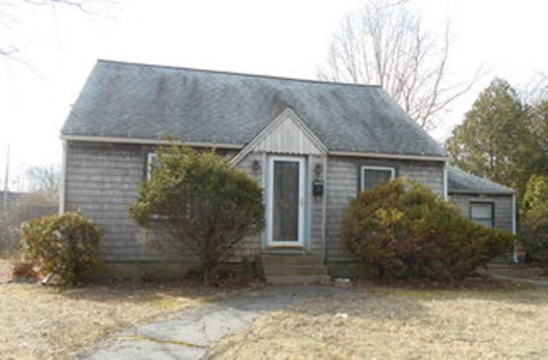 30 School St, North Kingstown, RI 02852