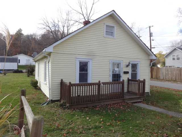 649 W 8th St, New Albany, IN 47150