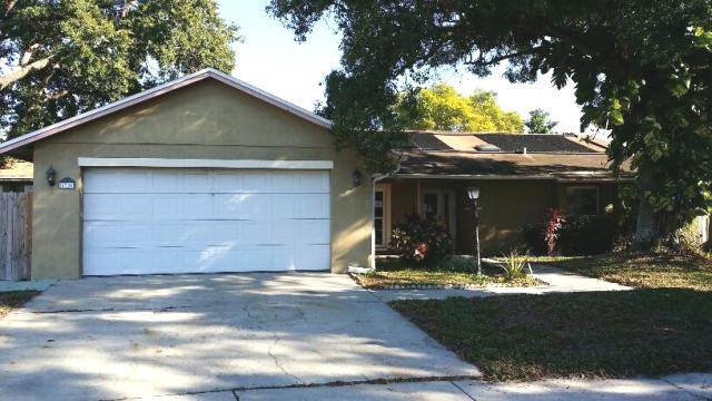 6706 12 Oaks Blvd,Town and Country  FL