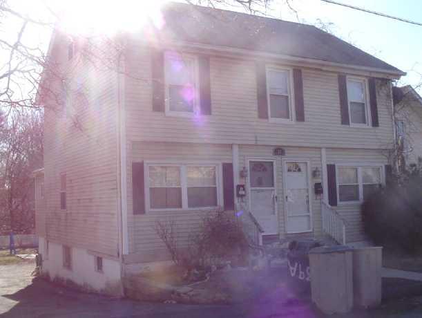 39 Nashawena Ave, West Haven, CT 06516