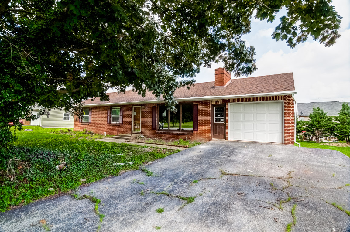 170 Pangborn Blvd, Hagerstown in  County, MD 21740 Home for Sale