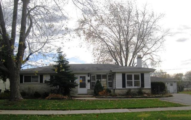 2721 Varonen Ave, Waukegan, IL 60087