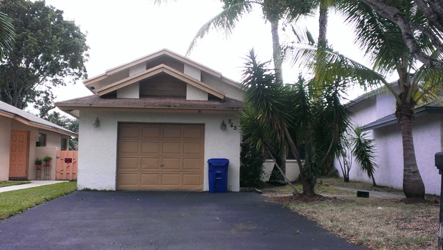 565 Lakeside Cir, Fort Lauderdale, FL 33326