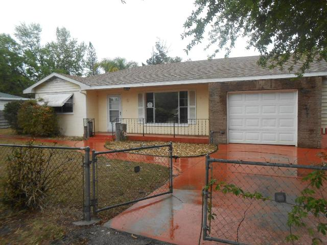 1009 40th St W, Bradenton, FL 34205