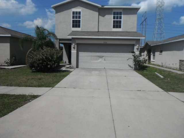 7954 Carriage Pointe Dr, Gibsonton, FL 33534