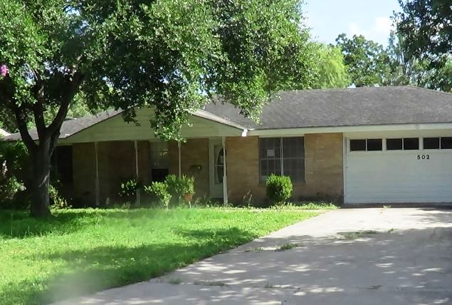 Photo of 502 E 10th St  Bishop  TX