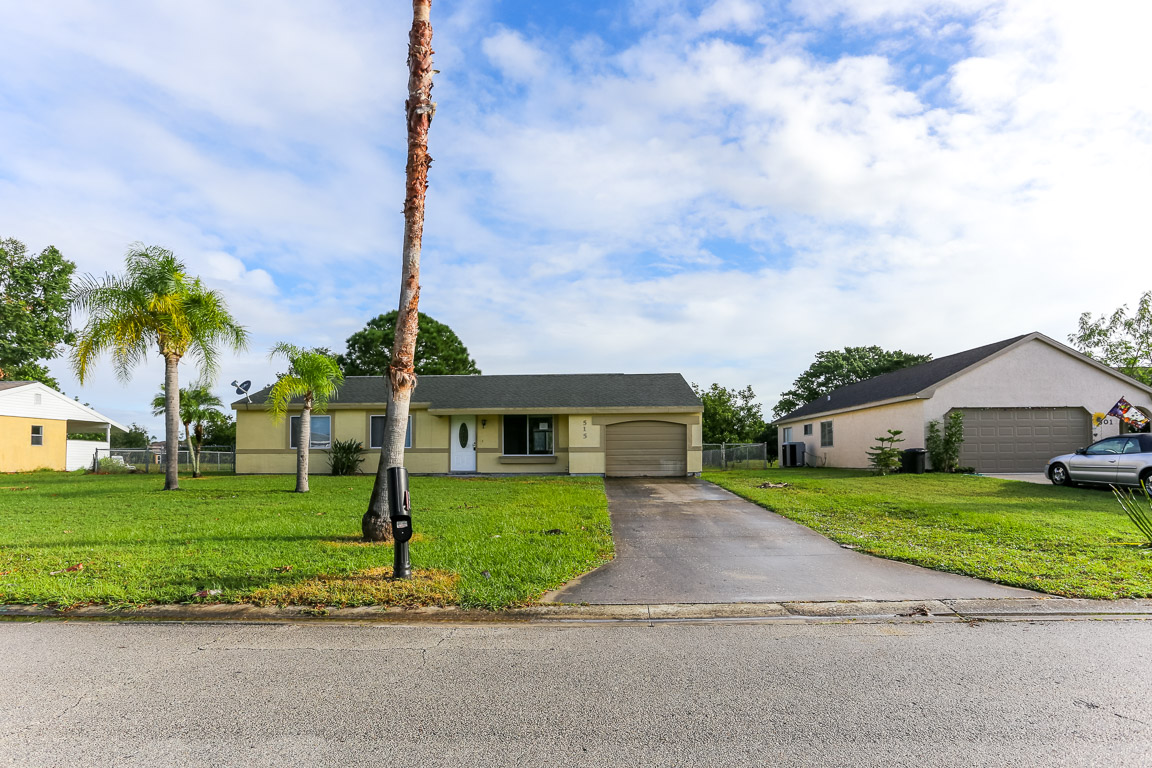 Photo of 515 SW Belmont Cir  Port Saint Lucie  FL
