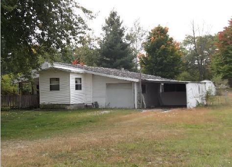 52941 York Hills Dr, Middlebury, IN 46540
