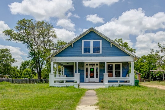 Photo of 603 Sloan St  Taylor  TX