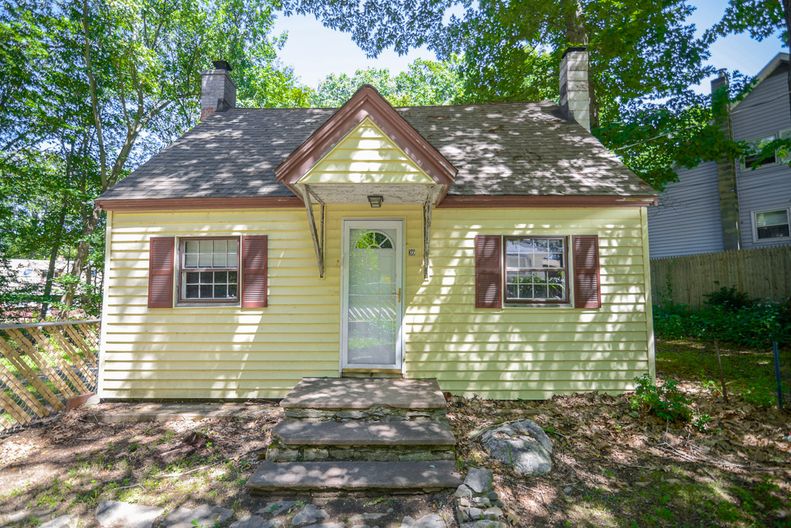 Photo of 30 Beech St  Leicester  MA