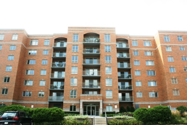 6807 N Milwaukee Ave Apt 709, Niles in  County, IL 60714 Home for Sale