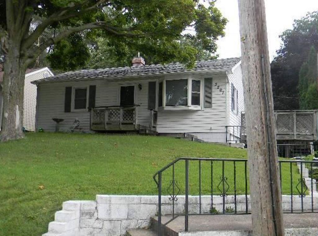 Photo of 3201 N 3rd St  Clinton  IA