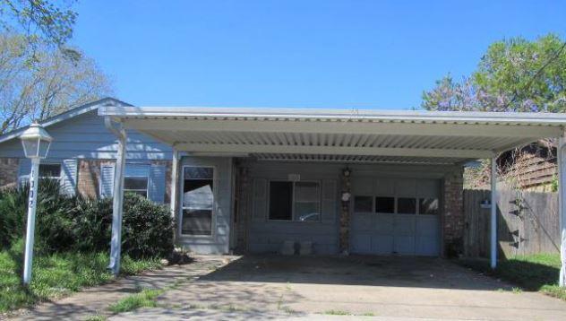 1002 James St, Deer Park, TX 77536