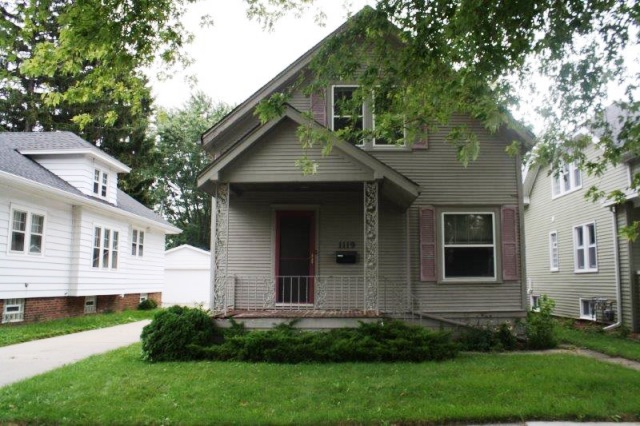 Photo of 1119 Cleveland Ave  Racine  WI