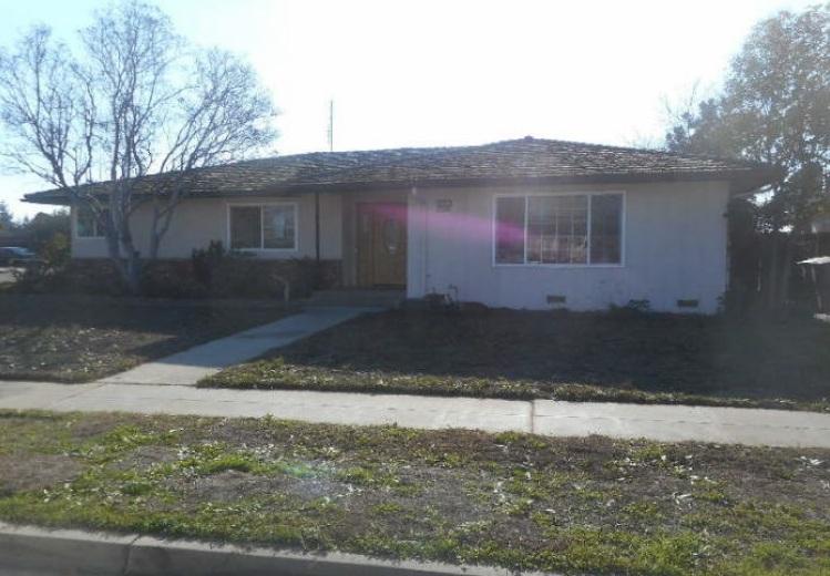 2709 E Palo Alto Ave, Fresno, CA 93710