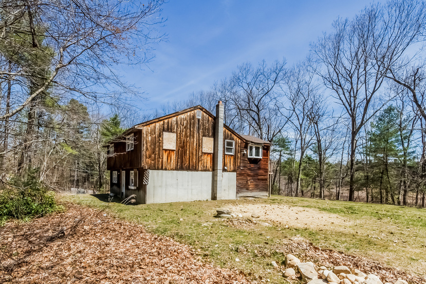 36 Cranberry St, Pepperell, MA 01463