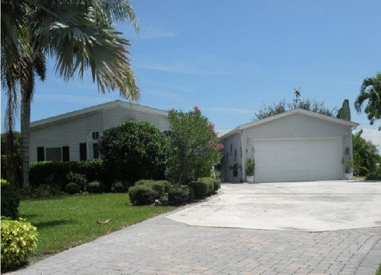 8158 14th Hole Dr, Port St Lucie, FL 34952