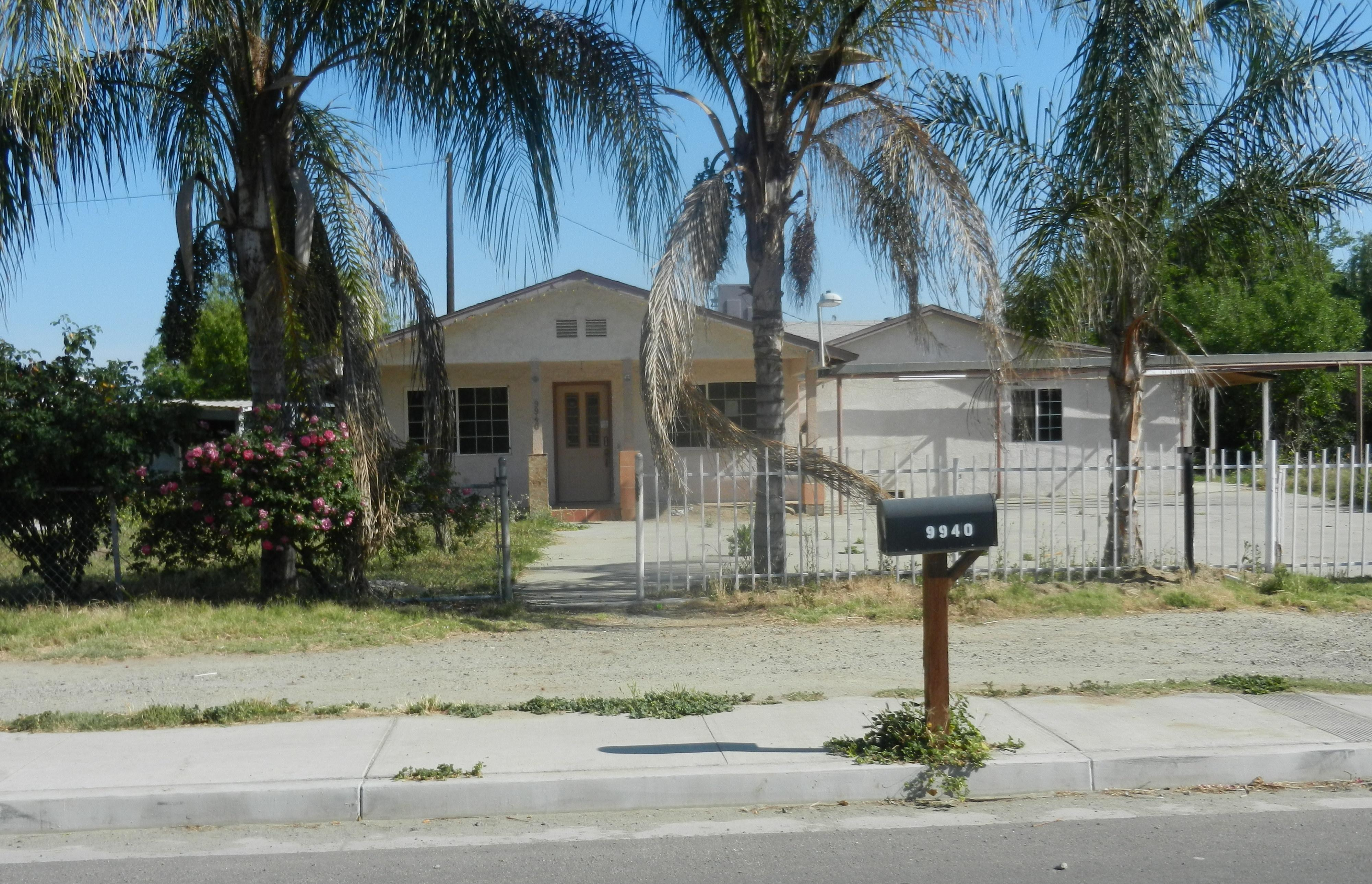 9940 Garden Dr, Hanford, CA 93230