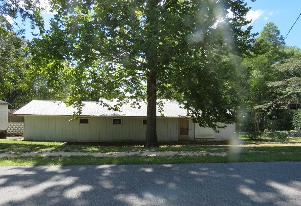 429 Compass Lake Dr, Alford, FL 32420