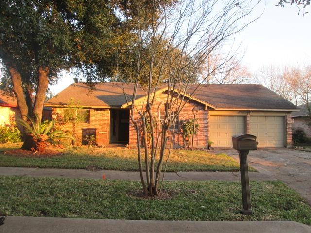 5007 Shady Oaks Ln, one of homes for sale in Friendswood