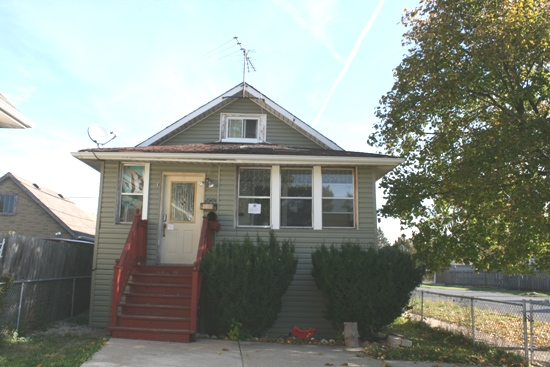 Photo of 2901 N Neenah Ave  Chicago  IL