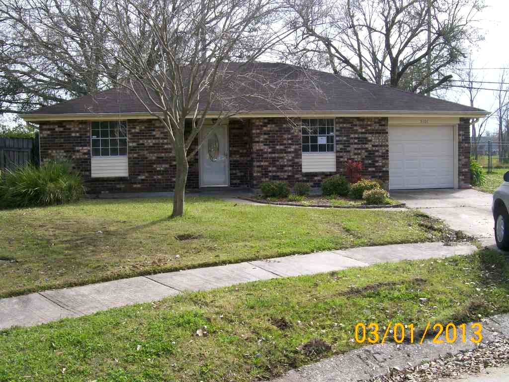5101 Lee Pl, Marrero, LA 70072