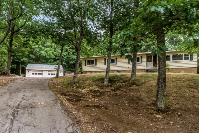 131 Griffin Rd, Deerfield, NH 03037