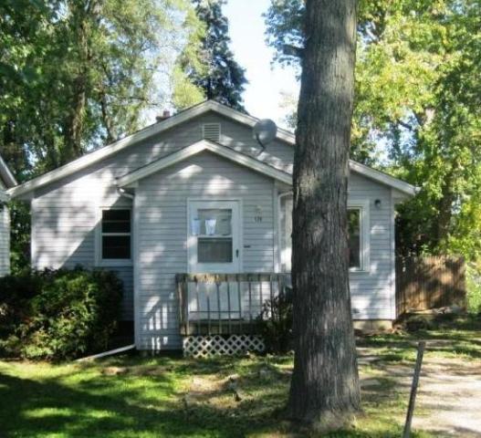 126 W Fairfield Ter, Round Lake, IL 60073