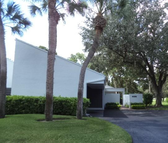 Photo of 4139 Northmeadow Cir  Tampa  FL