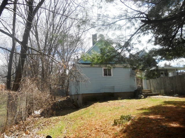 11 Northern Dr, Troy, NY 12182