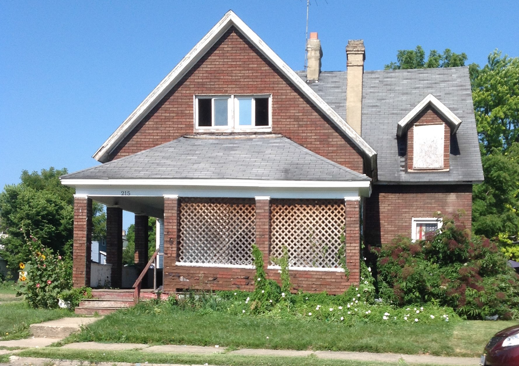 Photo of 215 N Western Ave  Springfield  OH