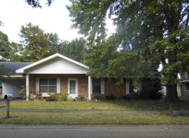 202 Montreal Dr, one of homes for sale in Lafayette